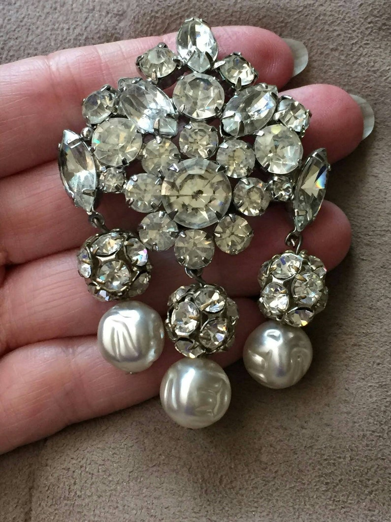 Vintage large prong set rhinestone faux Baroque Pearl Brooch PIN silver tone art nouveau Fringe drop statement chunky sparkly large 50s Wow
