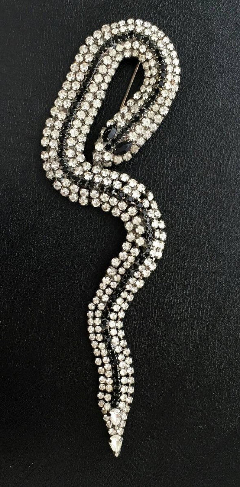 Long snake serpent figural black n clear Rhinestone BROOCH PIN Silvertone lapel animal Couture Style statement Designer quality rare vintage