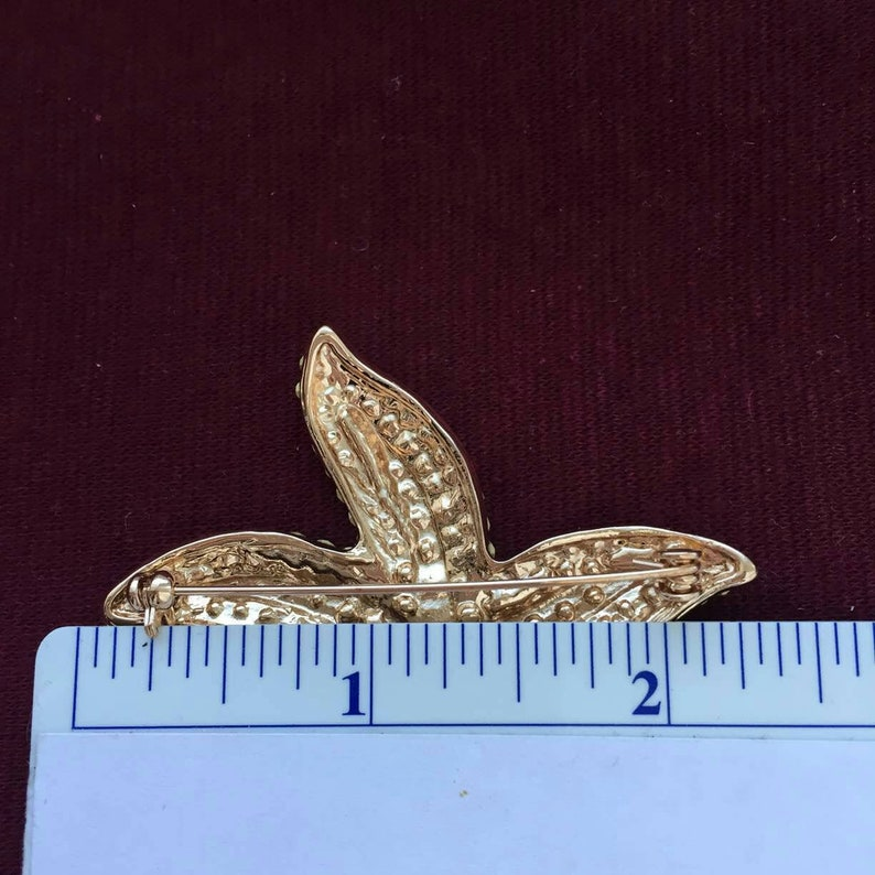Sparkly starfish pin brooch scarf Cruise Beach brutalist Crystal pave rhinestone chunky statement gold tone chunky bold vacation jewelry vtg