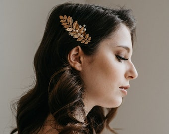 Gold Leaf Hair Comb | Gold Leaf Hair Piece | Bridal Hair Comb | Pearl Hair Comb | Gold Boho Leaf Headpiece | Petite Gold Meadow Comb
