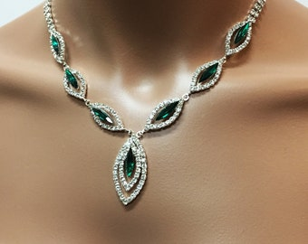 352bad168384c Emerald wedding set | Etsy