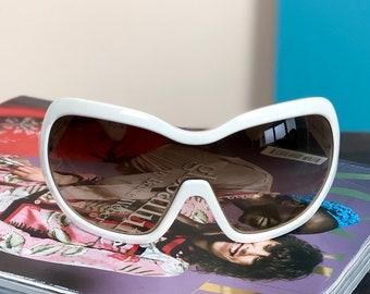70ab3921a377 PRADA - Vintage Prada Oversized Sunglasses