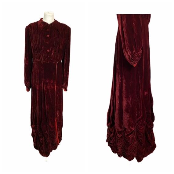 Early 20th Century Velvet Long Robe - Size L
