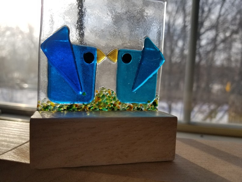 Bright Blue /& Aqua Fused Glass Kissing Birds in the Perfect Wooden Stand