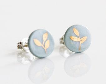 Stud earrings, Mint porcelain, gold leave