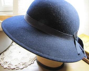 eafb54ddbc0 Vintage Geo. W. Bollman   Co. Ladies Dress Hat - Doeskin Felt - 100% Wool -  Very Dark Blue - Black