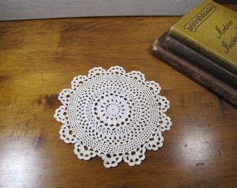 "Vintage Crocheted Doily - Off White - 6 1/2"" - Scalloped Edge"