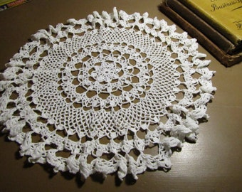 "Vintage Crocheted Doily - Creamy White - Ruffled Edging - 13"" Diameter"