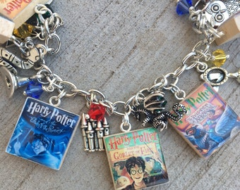 Harry Potter Bracelet, MAGICAL, Harry Potter Jewelry, Harry Potter Charm Bracelet, Harry Potter Fan, JK Rowling, Scrabble Tile Jewelry