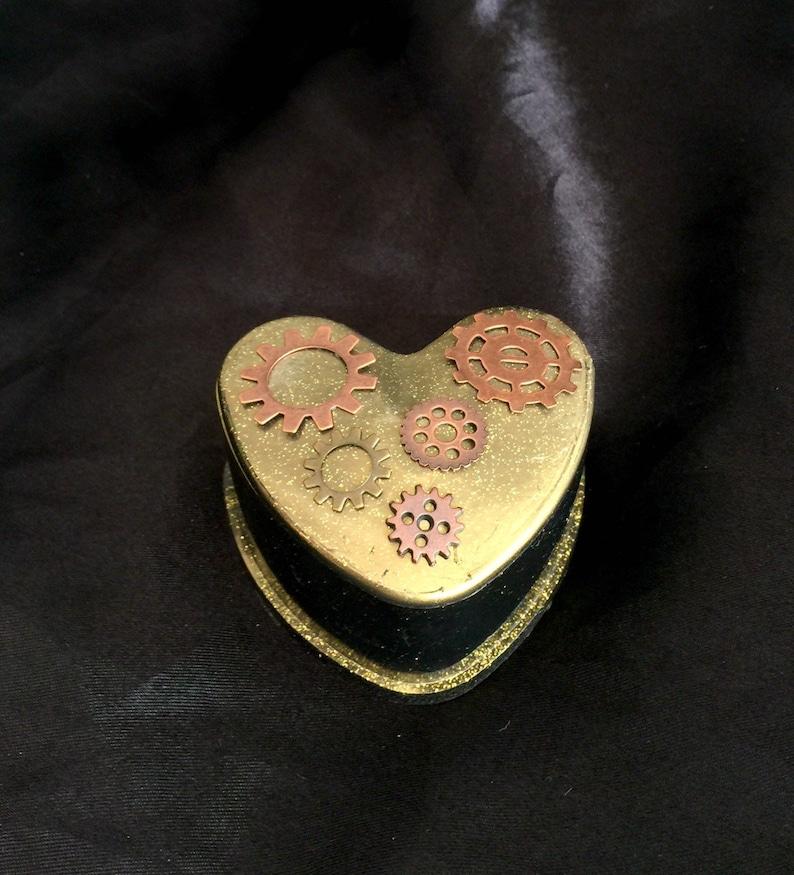 Steampunk gold gears resin heart jewelry trinket box