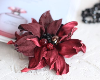 For Women Burgundy flower brooch Leather flower jewelry corsage brooch Gift for mom Stylish accessory Decoration costume Bordeaux flower pin