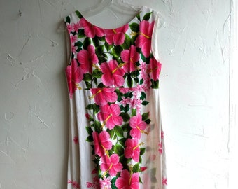 Hawaiian Dress Ui-Maikai maxi dress Vintage Dress Hawaiian Hippie Frock  70s Floral Frock Sleeveless Island Dress Large Blossom Pattern