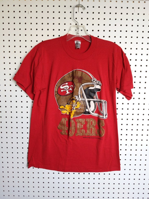 San Francisco 49ers t-shirt, Garfield football Tsh