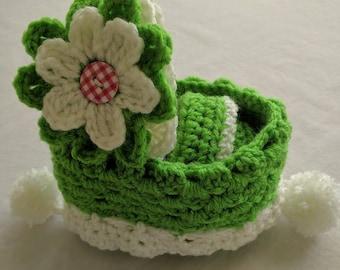 Crochet Cradle Purse in Green