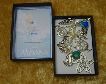 MOANA Disney Inspired Key Charm Gift Keepsake Boxed Chicken Pig Shell Fish Hook Boat Turtle Shells Beads fab gift for any ocasion