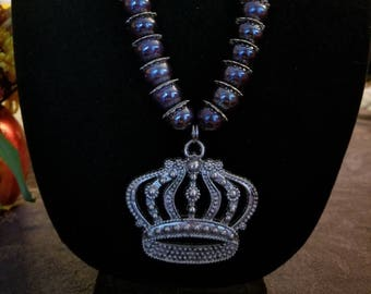 Big and bold crown necklace