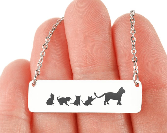 Cute Mama Cat and kittens necklace, Mother's Day Gift, cat mom gift, optional custom engraving on the back cute gift for mom gift from son