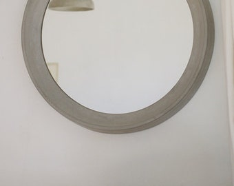Mirror made from concrete