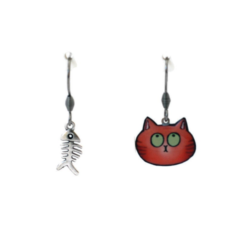 Red cat and fish Ridge dismatched earrings image 0
