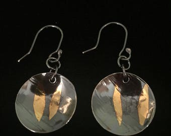 Keum boo circular earrings