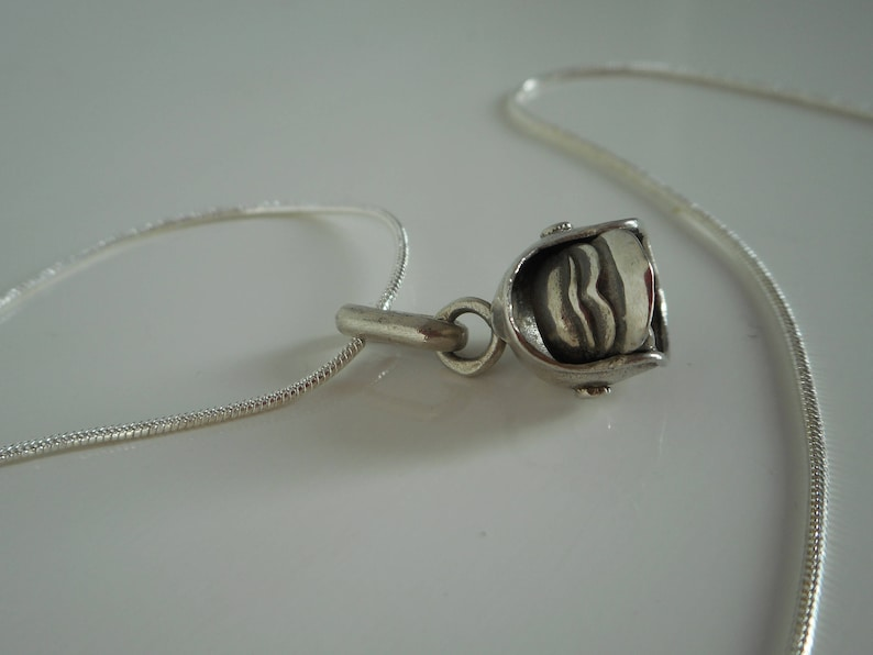 stunning vintage 925 sterling silver necklace pendant  charm