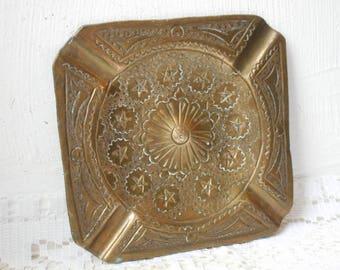 stunning vintage decorative brass square shaped table ashtray