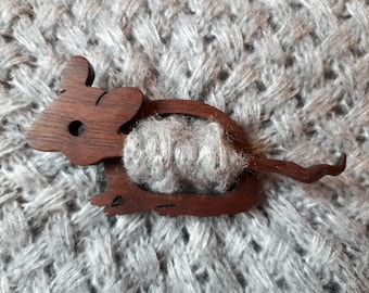 Mouse wood pin