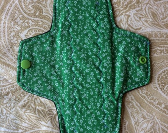 Regular Day Pad 8 Inches Green with White Leaves