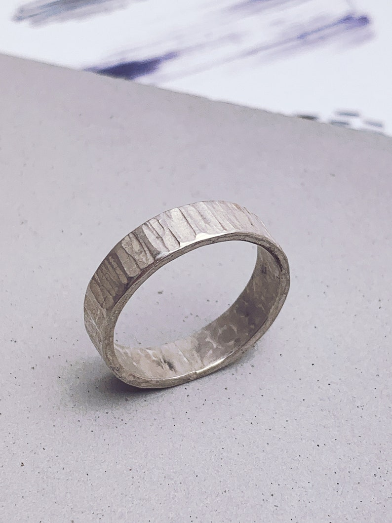 Wide band 4mm sterling silver ring with hammered bark texture image 0