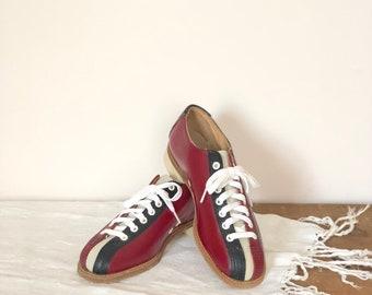294f87c596a0f6 Vintage Bowling Shoes   Vintage Retro Bowling Shoes   Unisex Black and Red Bowling  Shoes