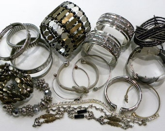 Reasonable Lot 3 Wholesale Lot Of Wearable Fashion Jewelry Ladies Mans Assorted Rings 30 Pc Bridal & Wedding Party Jewelry