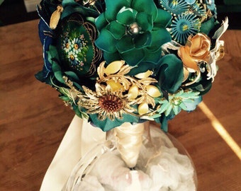 Teal Mariee Broche Bouquet Vintage Bridal Brooch Bouquet in Teal, Turquoise, Blue, Amber, Cream