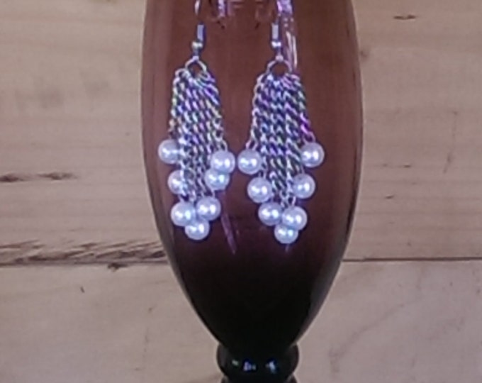 Dangle Earrings With White Beads