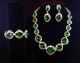 Vintage Trifari Emerald and Diamante Crystal Jewelry Set / Necklace, Bracelet, Clip Earrings