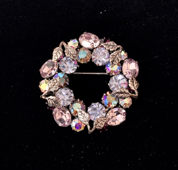 Lilac-Colored Austrian Crystal Brooch - Wreath Sty