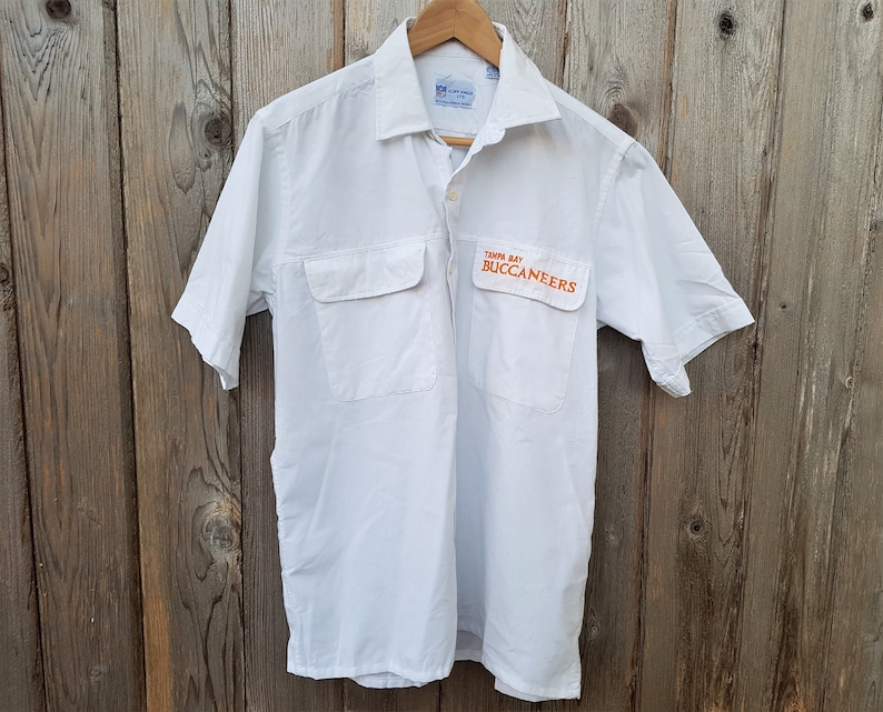1704b3a0 Vintage 80s Tampa Bay BUCCANEERS NFL Button Up Shirt Official   Etsy