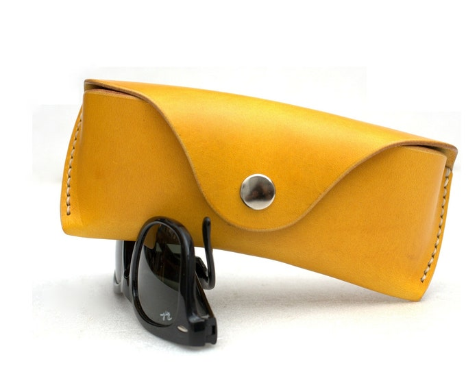 Leather Glasses case vegetable tanned leather Citron