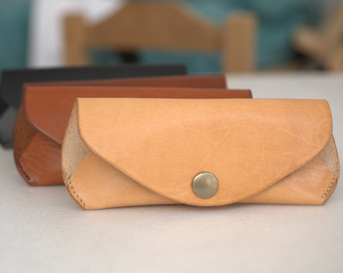 Glasses case Reading leather glasses Sunglasses case Veg tan Leather w BELT LOOP Handcrafted sunglasses case eyeglass case vintage