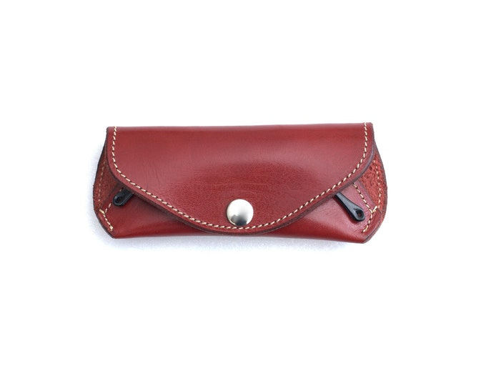 Reading glasses case  Oxblood Red vegetable tanned leather