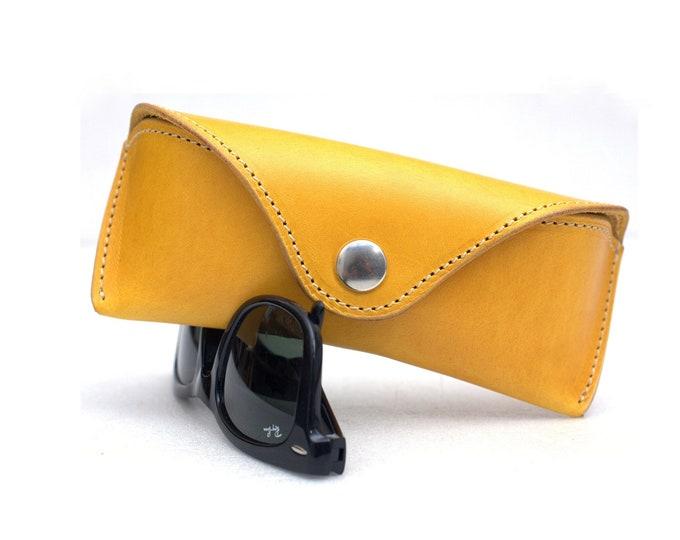 Glasses case for RayBan Aviator - Wayfarer vegetable  tanned leather Citron