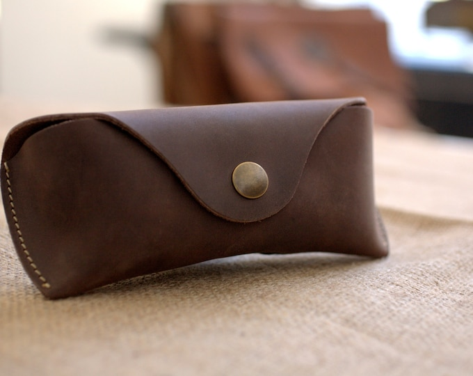 Glasses case waxed leather Handmade