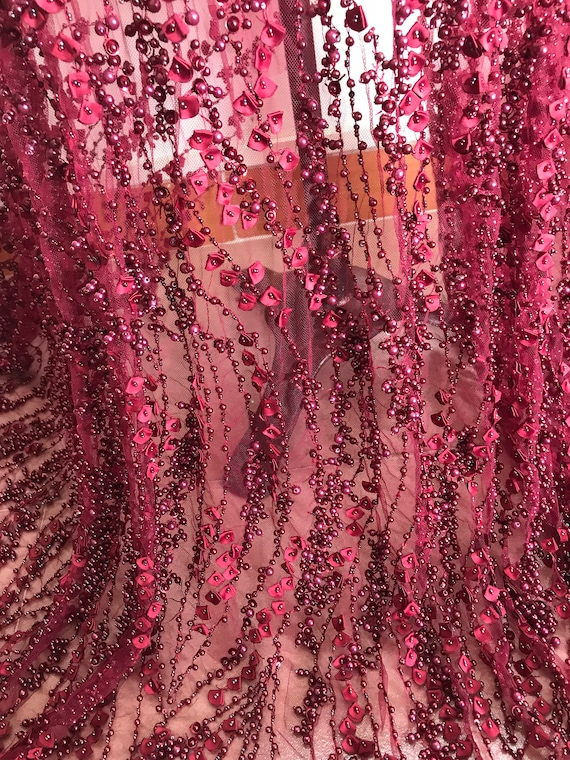 Vin à la main lourde en en lourde tissu dentelle robe perlée eb1a8b