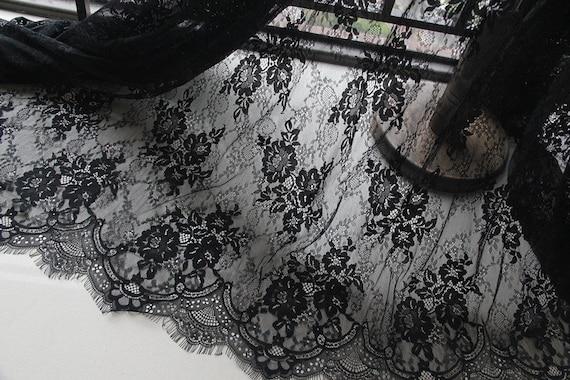 tissu de dentelle chantilly noir avec double motif, doux tissu dentelle festonnée avec fleurs rétro, tissu doux motif, de dentelle chantilly cda627
