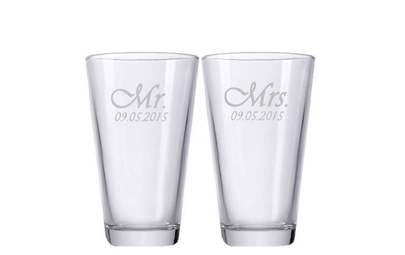 Mr. and Mrs. Glasses Personalized Beer Glasses Custom image 0