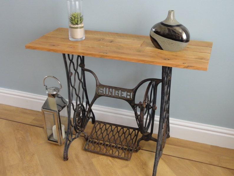 Gentil Sewing Machine Table Made From A Vintage Cast Iron Singer Sewing Machine  And Waxed Pallet Wood