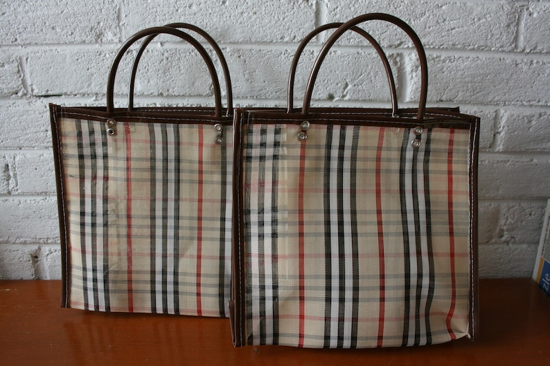Mexican Market bag Beige with black Plastic Mesh Small #2 white and red lines