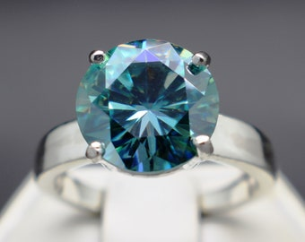 10.15mm VVS-1 Clarity Certified 3.60cts Ice Blue Diamond Scroll Ring
