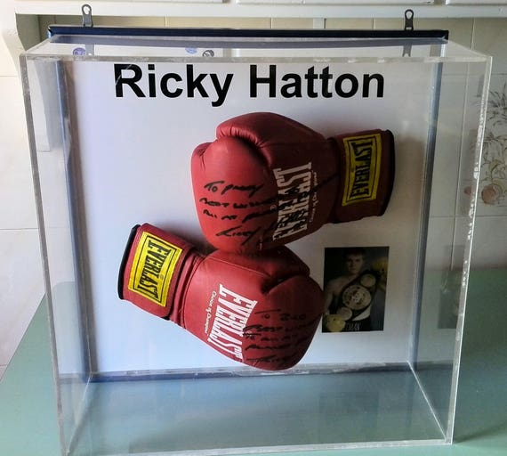 Everlast Boxing Gloves Signed By Ricky Hatton The Hitman Etsy