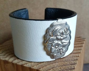 """Women's WHITE LEATHER BRACELET with Bright Silver-Tone Wild Rose Concho. Lined. For 6"""" Wrist. Leather Cuff with Floral Western Concho."""
