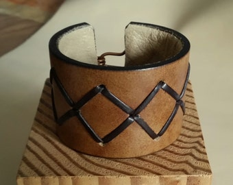 """SMALL BROWN STITCHED Leather Cuff with Cross Stitch Lacing. 5-3/4"""" Wrist. Lined. Copper Hook Clasp. 1-3/4"""" Wide Bracelet Wristband"""